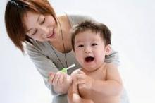 chăm sóc răng trẻ